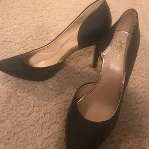 Women's black 2.5 inch heels